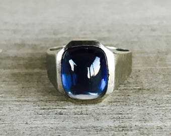 14k white gold synthetic blue sapphire ring