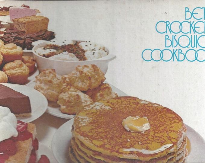 Betty Crocker's Bisquick Cookbook Three Ring Binder 1977