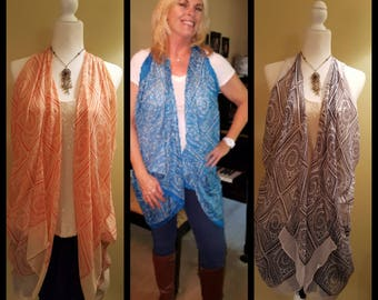 Boho squares and circles scarf in blue or white