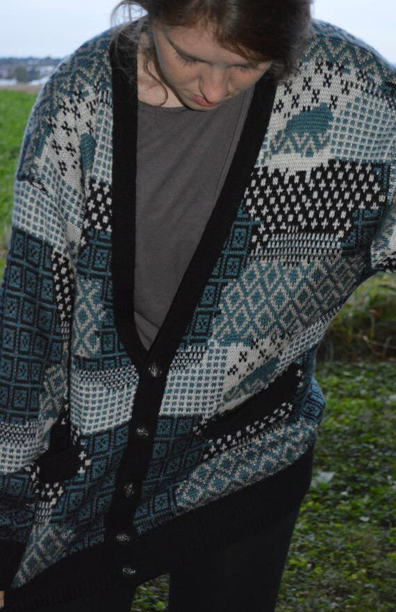 Vintage 90s Compagnie Internationale Express Patterned Blue White and Black Cardigan Sweater 2QwTI3AF