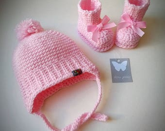 Pink baby girl set, crochet baby set, booties, hat, baby girl set, baby boots, baby booties and hat, babyshower gift, baby hat, baby shoes
