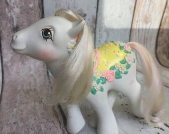 Flower Bouquet - G1 Merry Go Round Pony - 1985 - My Little Pony