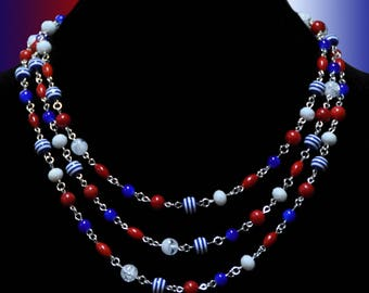Fun red, white and blue beaded necklace - perfect for the 4th of July!