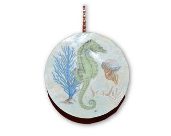 Seahorse Round Wood Fan / Light Pull