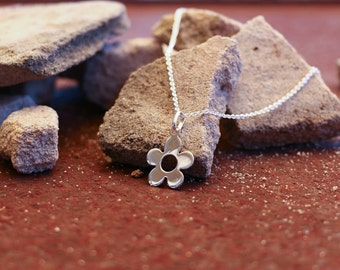 Flower Necklace, Flower Necklace Silver, Flower Necklace Pendant, Flower Jewellery, Silver Pendant, Pendant Necklace, Silver, JP0042