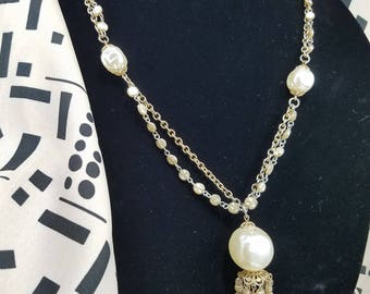 Lovely Faux Pearl Accented Chain Necklace with Pendant