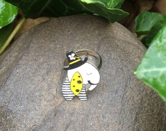 Ring with a cute little elephant black and white