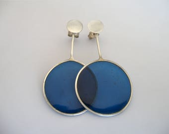 Silver Transparent Earring with blue-coloured resin