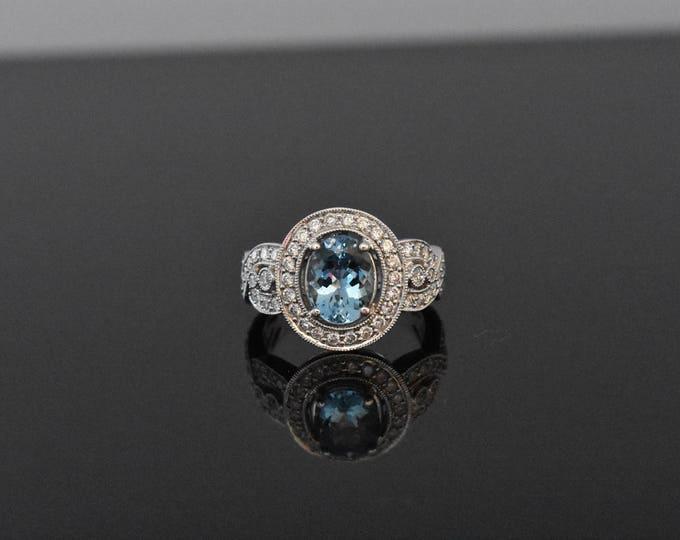 18K White Gold and Aquamarine Ring