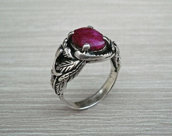 Antique silver ring,vintage silver ring,ruby ring,vintage ruby ring,antique ruby ring,silver leaf ring,leaf ring,boho silver ring,boho ring.