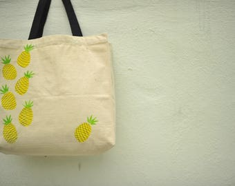 Pineapple design_Canvas Tote Bags_gift_women_canvasbag_handmade_trendy_unique_cool_handpicked_shop