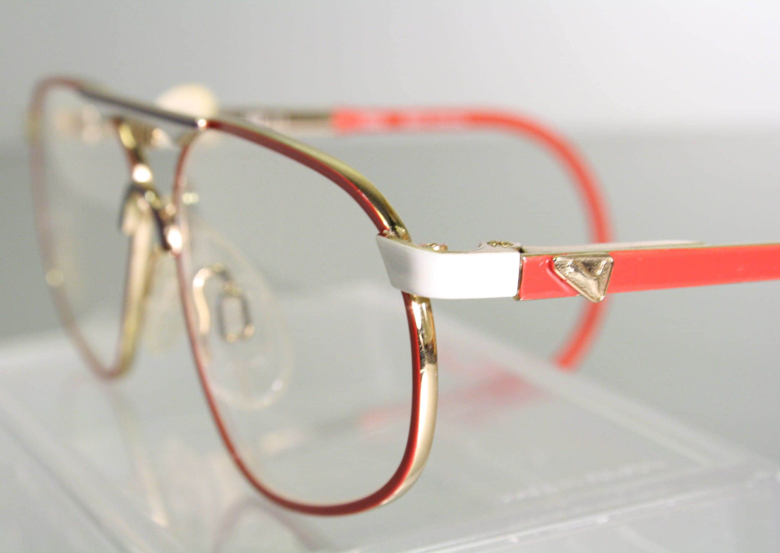 d069f637652a Kid's Unworn PUMA Cable Temple Ear Loop Vintage Early 90's Aviator Red  White Gold Eyeglass Frames