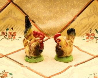 Vintage Adorable Rooster Chicken Ceramic Salt n Pepper Shakers, Kitchen Kiitsch, Collectibles