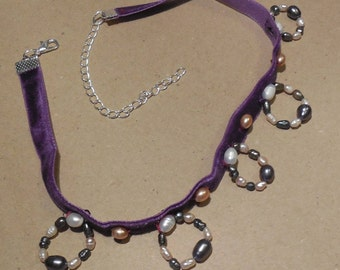 Pearl Choker Necklace.