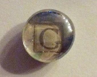 Magnet / Letter G / Glass