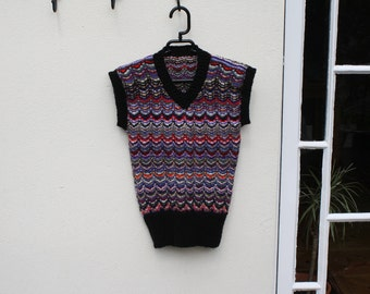 Zig zag hand knitted pullover