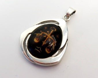 Amazing 7.29 grams Hand made 925 Sterling Silver Pendant with Dark cognac Natural Genuine BALTIC AMBER engraved Sign of the zodiac LIBRA