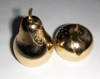 Vintage gold tone metal salt and pepper shakers/ Apple and pear salt and pepper mini shakers