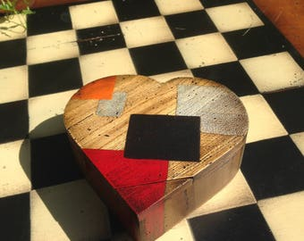 Wooden box heart hinged lid