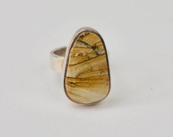 Lovely bohemian 925 silver ring with stone
