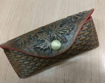 Ochechnica case for glasses made of natural leather