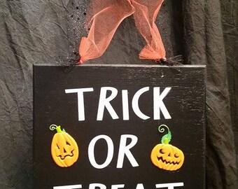Trick-or-Treat Door Hanger