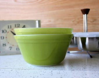 Federal Glass Avocado Green Mixing Bowls *Kitchen*Kitsch*Vintage*