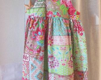 Dress girl, good humor and cheerfulness!