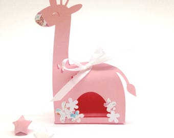 Box dragees pink giraffe for baptism. Customizable. Dimensions: 9 by 11.5 cm paper 210g