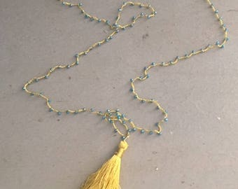Silk crown necklace with blue nappy and briolettes