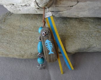 Door keys or bag yellow and turquoise blue Driftwood with starfish