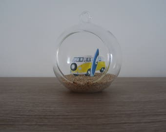 Suspension / ball decoration combi van yellow glass and surfboard to hang or lay
