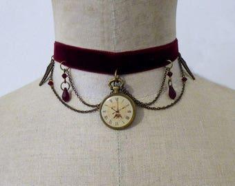 Necklace - Lady time-lapse