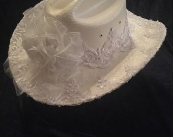 Western Bride's Hat with Veil