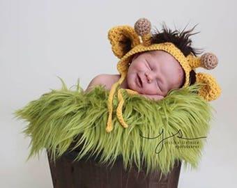 Crochet giraffe newborn baby photo prop, baby giraffe hat, crochet newborn photo prop, gender neutral, baby shower gift, baby giraffe hat