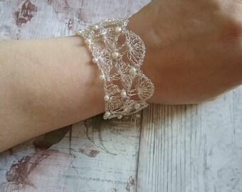 Delicacy - Fine Silver crochet wire bracelet with faux pearl beads