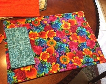 set of 4 place mats with napkins, bright gorgeous florals