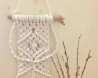 Driftwood Macramé Wall Hanging | Handmade Cotton Macrame/Boho/Bohemian Style/Medium Size/Gift/Wall Decor/Wall Art/Yarn/Tapestry