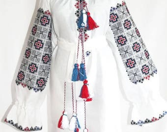 Embroidered tunic Vyshyvanka Boho dress Vishivanka Bohemian Clothes Ukrainian Dresses Custom Embroidery Ethnic Ukraine Mexican Embroidery