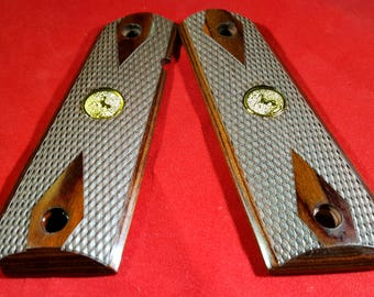 Premium Checkered Rosewood Colt Grips Fit full size Colt 1911 Government Includes Colt Gold Medallion