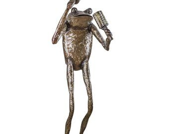 Large Garden Frog Sculpture playing Maracas made from 100% recycled metal