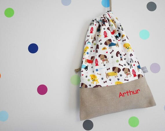 Customizable drawstring pouch - kindergarden - dogs - puppies - red - blue - white - school - personalised - cuddly toy - slippers - toys