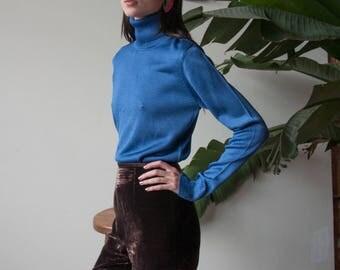 silk blue knit turtleneck sweater / colorblock turtleneck / s / m / 3223t / B21