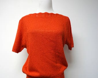 "70s 80s red boat neckline knitted blouse . fits a medium . 41"" bust"