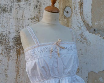 Vintage Edwardian 1900/1910 French crop top blouse  ton on ton embroidered white cotton size XS