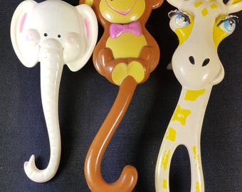Vintage Animal Bath Body Brushes Giraffe Elephant and Monkey Set of 3 1970's