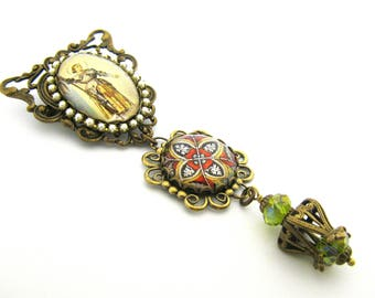 History's Queens Collection - Joan d'Arc FIligree and Pearl Brooch w/Medieval Medallion Charm and Medieval Bead Cage