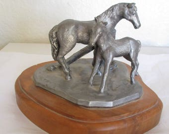 Vintage Michael Ricker Pewter Sculpture Western Horse Sculpture Signed Numbered Desk Table Sculpture on Wooden Base Mother Baby Mare Foal