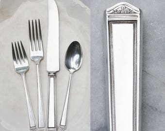 One Vintage Silver Plate Place Setting / 1923 Anniversary Pattern / Holiday Entertaining / Antique Flatware