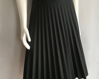 Vintage Women's 80's Black, Pleated Skirt, Polyester, Flare (XL)